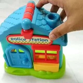 Police station toy set