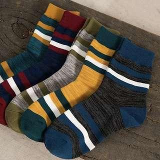 韓國中筒襪 socks