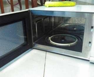 Microwave electrolux kapasitas besar
