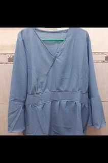 Blouse baby blue