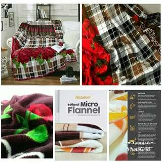 Selimut micro flanel blooming