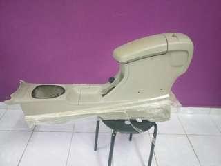 NCP93/vios armrest konsol box