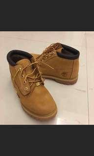 天伯倫黃靴