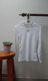 white angelic turtleneck heart cut out top Japan size 6-8