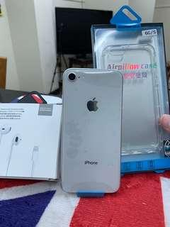 🚚 Kate's iPhone 8 64GB New Silver White