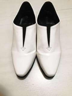 White shoes 漆皮白鞋