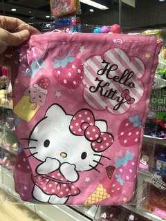 (包平郵)Sanrio Hello Kitty 索繩袋手抽袋(中)