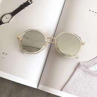 🚚 韓版大框墨鏡🕶️銀