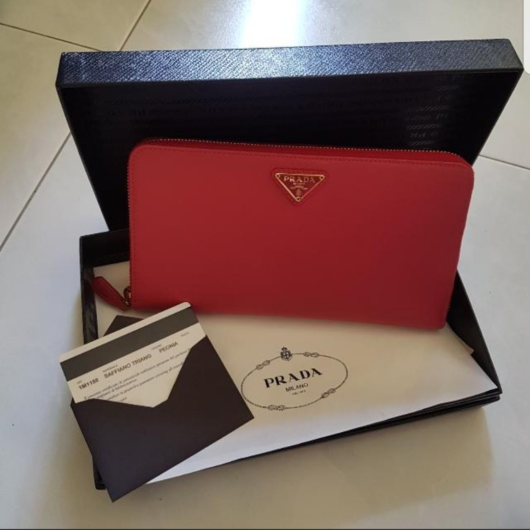 5809f7420060 Authentic Prada Wallet, Luxury, Bags & Wallets, Wallets on Carousell