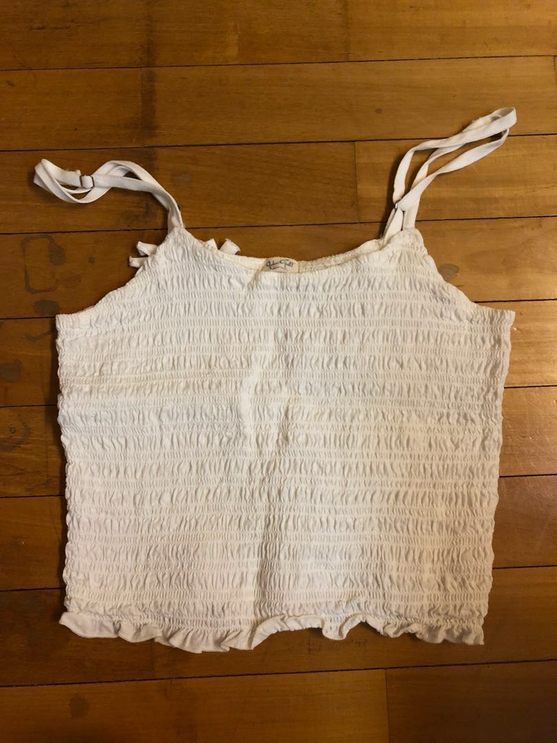 7c725e9b035 brandy melville crop top, Women's Fashion, Clothes, Tops on Carousell