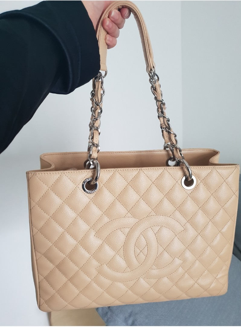 7bb95681ad8ddc Chanel GST, Luxury, Bags & Wallets, Handbags on Carousell