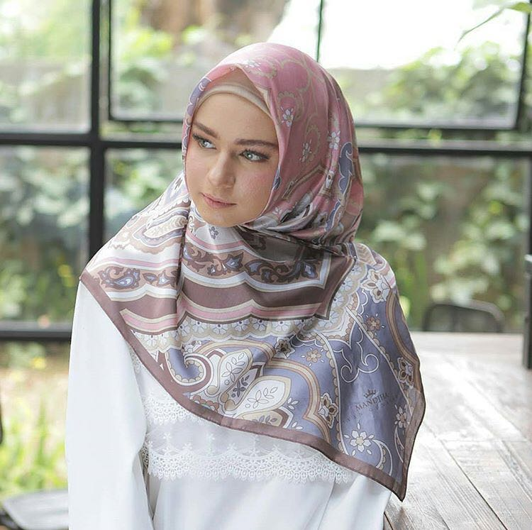 Hijab Manjha Ivan Gunawan Fesyen Wanita Muslim Fashion Syal Di Carousell
