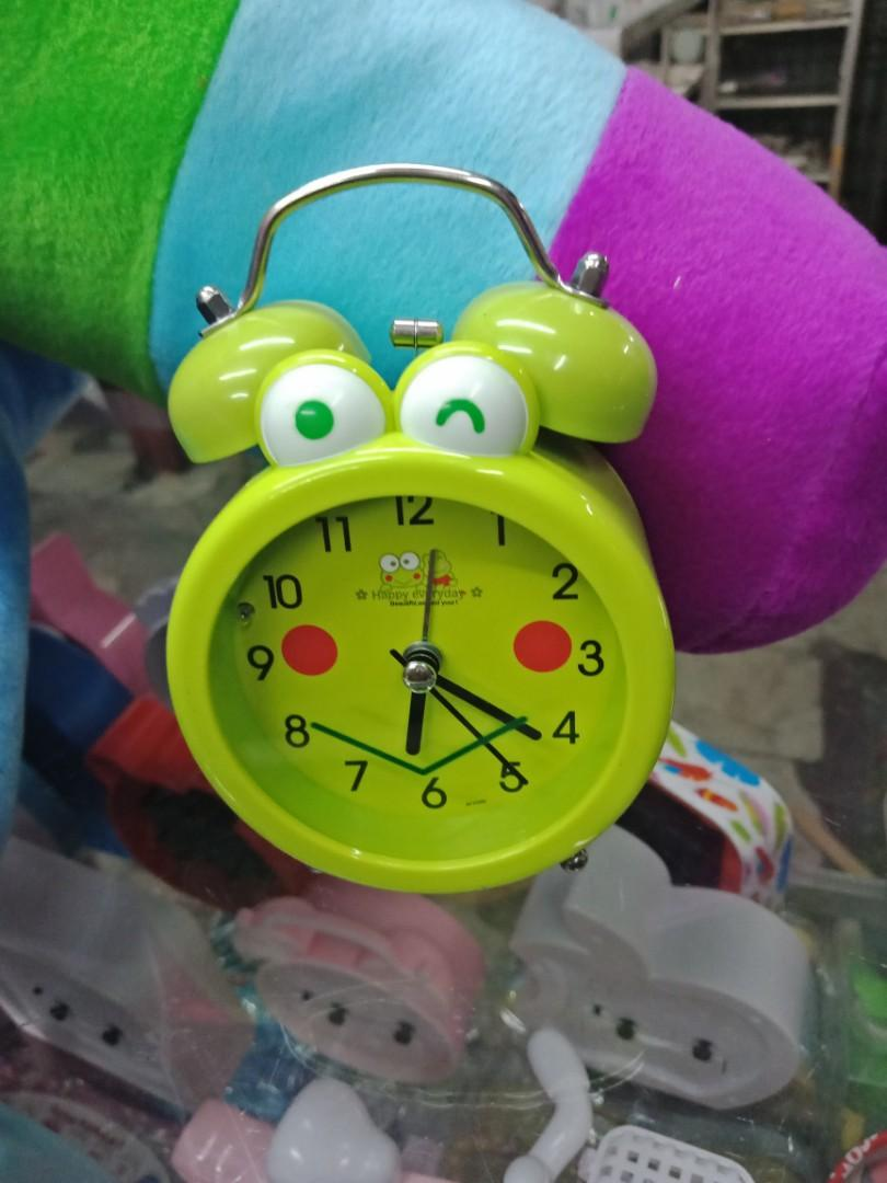 Jam weker bunyi nyaring, Olshop Fashion, Olshop Wanita on Carousell