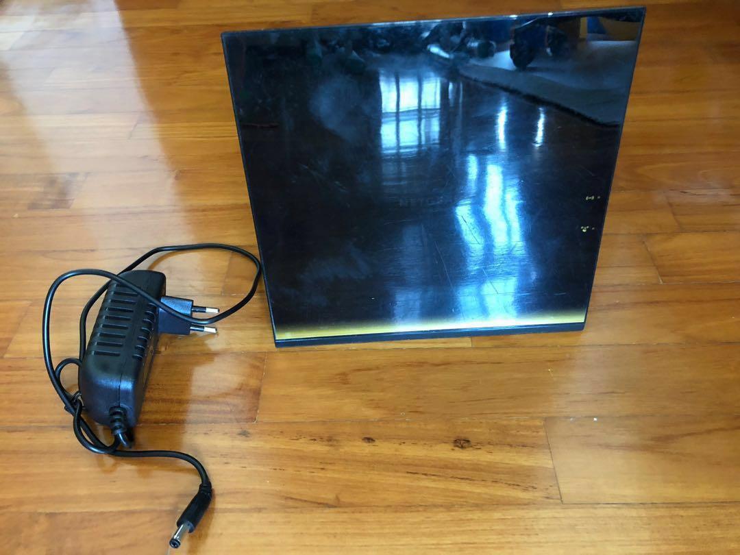 Netgear router R6300