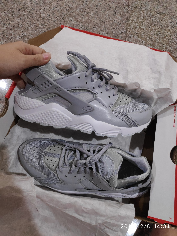 watch 95f51 2ea96 Nike Air Huarache Wolf Grey BRAND NEW UK8, Women s Fashion, Shoes ...