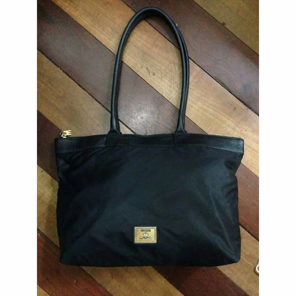 714df51ece20 original Moschino shoulder bag