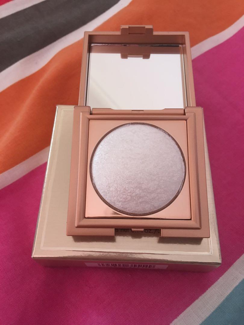 Stila Heaven's dew highlighter