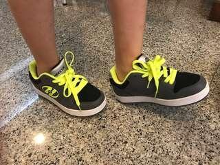 Heelys sneakers UK size 4