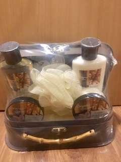 Shower gel lotion body butter gift set