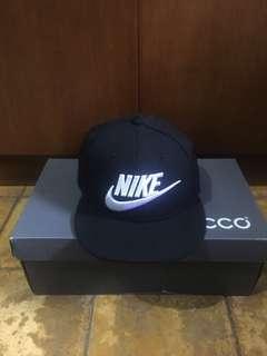 Nike snapback w/little deffect
