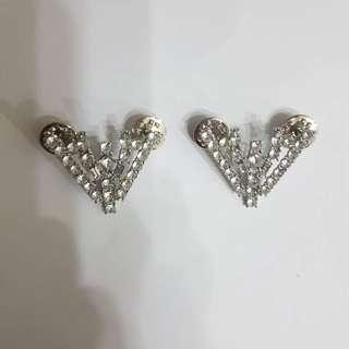White Gemstone Collar Accessory