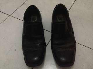 Sepatu fantopel Hitam