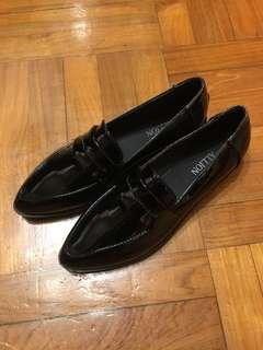 包順豐站 全新 39碼 黑色 尖頭 鞋