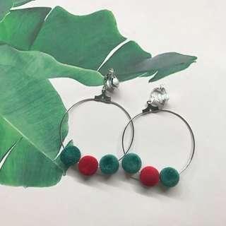 🚚 *limited stocks!* Christmas festive hoop earrings