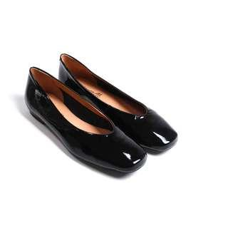 L'intervalle Patent Leather Black Flats