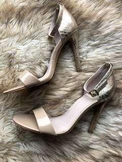 Vince Camuto Nude&Gold Sandal Heels Size 8