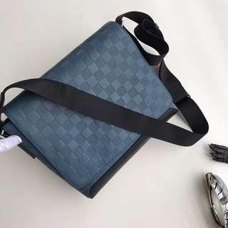 SALE!! LV district messenger📍Highest quality guaranteed