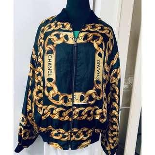 🈹💥日本中古品 chanel バーゲンのバーゲンです(*^^*)美品★シャネルジャンパー  外套