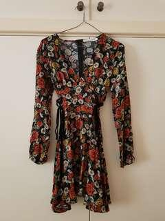Atmos&Here Sleeved Floral Skater Dress with Side Lace Up Detail Size XS/6