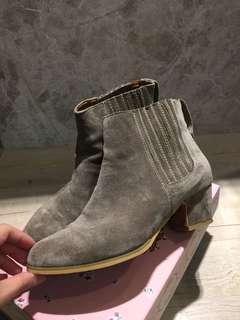 🚚 Puree側彈性車縫短靴