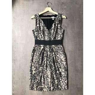 🚚 H&M abstract Print Stay Top Dress