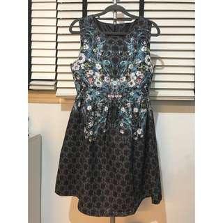 🚚 Floral Design Peplum Dress