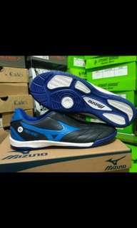 Sepatu futsal mizuno ukuran 39-41