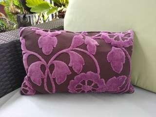Cushion Cover, Free cushion