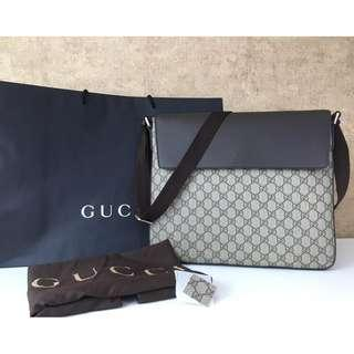GUCCI 353429 GG SUPREME CANVAS MESSENGER BAGS