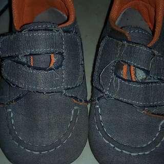 Sepatu baby