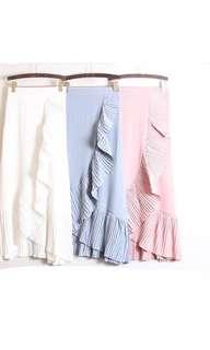 WHITE ruffled skirt
