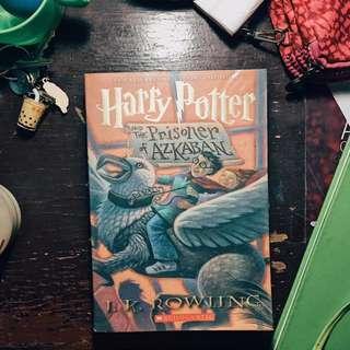 📚PRE-LOVED BOOKS FOR SALE📚 HP PRISONER OF AZKABAN