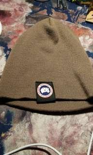 Canada goose authentic beanie in very new condition. Part of tag still intact