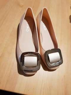 🚚 方釦裸色娃娃鞋