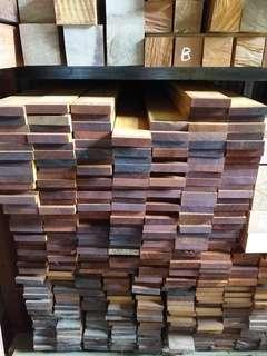 🚚 Decking timber wood