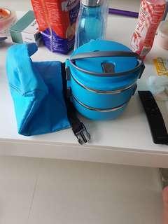 Food container / insulator