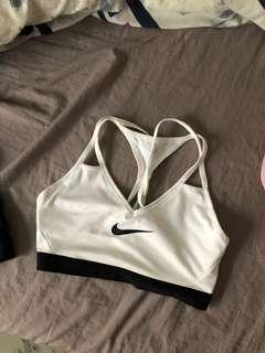 MEDIUM Nike sports bra black white