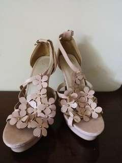 Peach flowery party heels