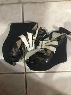 GUESS WEDGES ORIGINAL