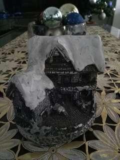 Winter house (resin)